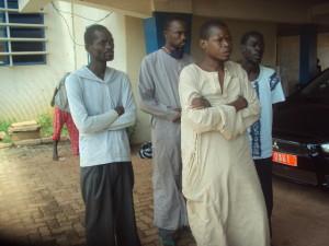 Quatre des cinq anciens malades errants de la ville de Bobo-Dioulasso qui ont recouvré la santé. Ph. B24