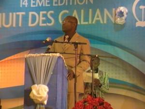 Le ministre délégué à l'alphabétisation lors de la cérémonie de remise des Galian. Ph. B24