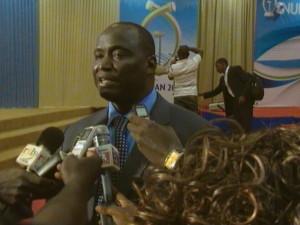 Le président d'honneur des Galian 2011, Joakim Baky, face à la presse. Ph. B24