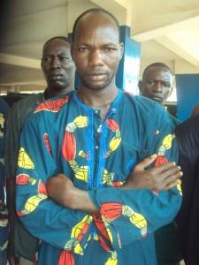 Salif Sawadogo, l'homme qui a pris l'engagement de guérir les malades errants de Bobo-Dioulasso. Ph. B24