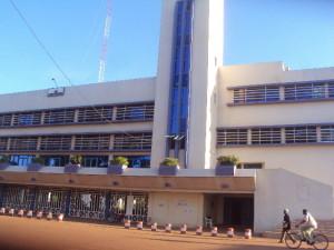 Vue de l'Hôtel de ville de Bobo. Ph. B24