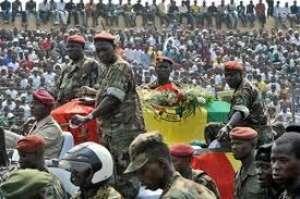 Obsèques des élèves officiers décédés. Ph. Seneweb News.