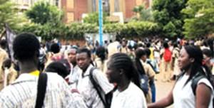 Une foule d'élève.