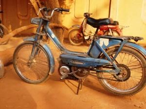 Ce type de motos est une espèce en voie de disparition dans la capitale des deux roues (Ph : B24)