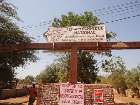 Les élèves lycée technique Aboubacar Sangoulé Lamizana ont abandonné les lieux (Ph. B24)