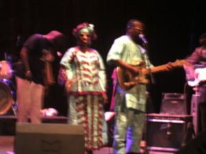Amadou et Mariam sur la scène du Grand Méliès (photo Burkina 24)