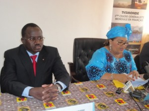 Madame chantal Compaoré et le ministre de la culture lors de l'installation du comité d'organisation