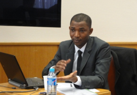 Docteur KERE lors de la présentation de sa thèse au jury. Ph. ZOUNGRANA