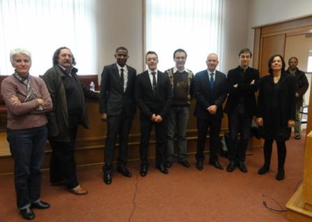 C'est fait photo de famille du Docteur KERE et les membres du Jury. Ph. Zoungrana