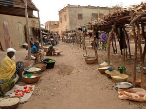 Des femmes vendant des céréales au marché de Konnan au Mali (Ph: Oxfam)