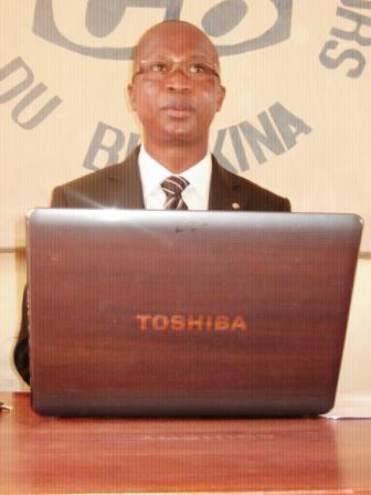 Le secrétaire exécutif de la ligue des consommateurs, Gilbert Hien Somda. ph.B24