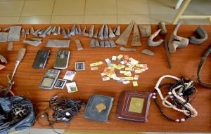 Du matériel saisi chez le présumé coupable.