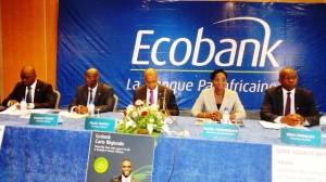 Les responsables d'Ecobank Burkina qui ont animé la déjeuner de presse (Ph : B24)
