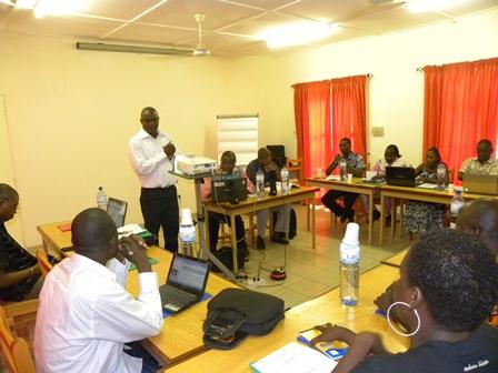 Le RIJ a initié cet atelier de formation pour outiller les journalistes sur les questions budgétaires (Ph. RIJ)