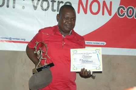 Boureima Ouédraogo  du journal Le Reporter a été sacré lauréat du PLAC (Ph. B24)