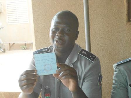 C'est le commissaire de Police de l'arrondissement de Bogodogo, Serge Alain Kaboré qui a animé le point de presse (Ph. B 24)
