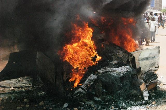 Le véhicule brûlé par la colère des riverains (Ph : B24)