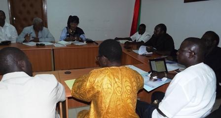 Des responsables de partis d'opposition en réunion le 10 mai 2013. Ph. CFOP