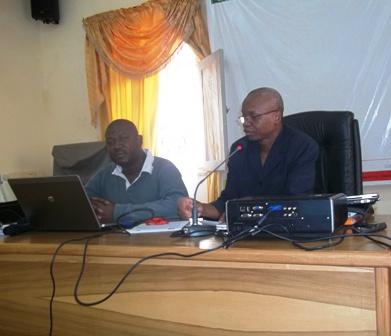 Le PCA (au micro) & le Coordonnateur du SPONG © Burkina 24