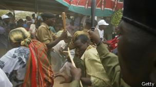 La police kenyane tente de maitriser les violences dans le canton de Mandera, dans le nord-est du pays