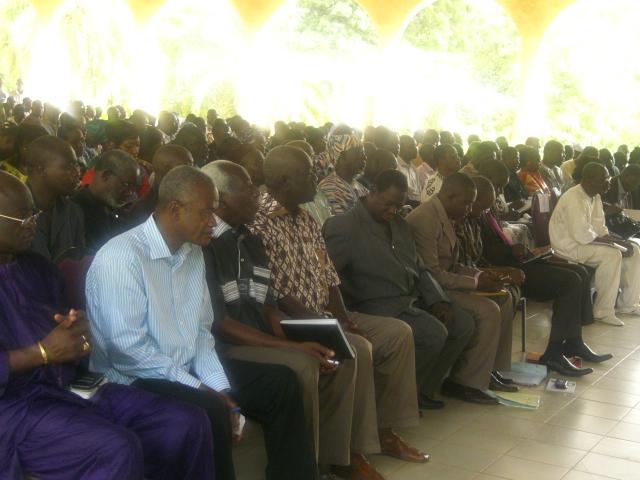 Des citoyens, parmi les forces vives de Bobo, ont émis des doutes sur l'utilité du sénat (Ph : B24)