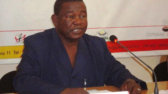 Dr Boureima Ouédraogo, représentant le SG du ministère de la santé à l'atelier (Ph : B24)