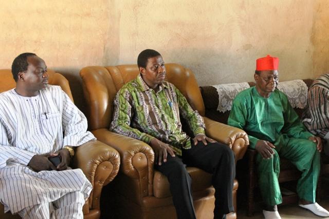 Les membres du gouvernement à la rencontre avec les autorités coutumières (Ph : SIG)