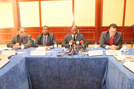 Les représentants du médiateur de la CEDEAO, des NU, de l'UA et de l'UE face à la presse (Ph. B24)