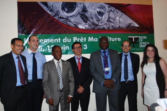 """Le staff de BOA Burkina et de ses partenaires se disent prêts pour accueillir les clients du """"Prêt Ma Voiture"""" (Ph : B24)"""
