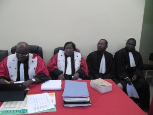 Des membres de la Cour lors de l'audience. Ph.B24