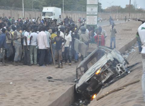 Photo du véhicule incendié (Ph. L'Obs.)