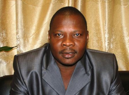 1.Elie Kabré, pharmacien, docteur ès sciences pharmaceutiques, agrégé en Biochimie. Ph. S.W. Gédéon