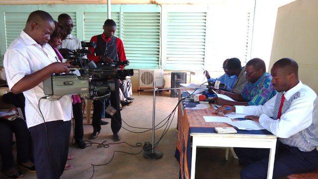 Les médias d'Etat revendiquent le droit de diffuser ce qu'ils ont filmé, vu ou interviewé (Ph : SYNATIC)