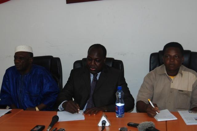 Le chef de file de l'opposition a animé le point de presse avec les présidents de l'UPS/MP et de l'URD/MS (Ph : B24)