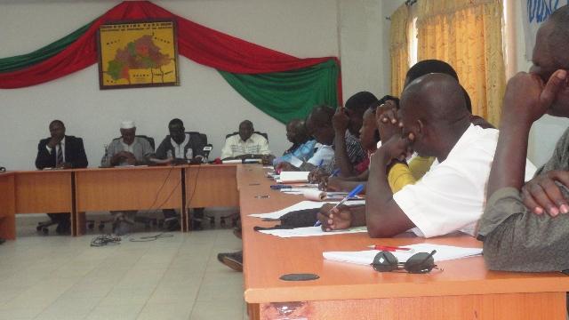 Des opposants lors d'une conférence de presse au siège du Chef de file de l'opposition politique (Ph : B24)
