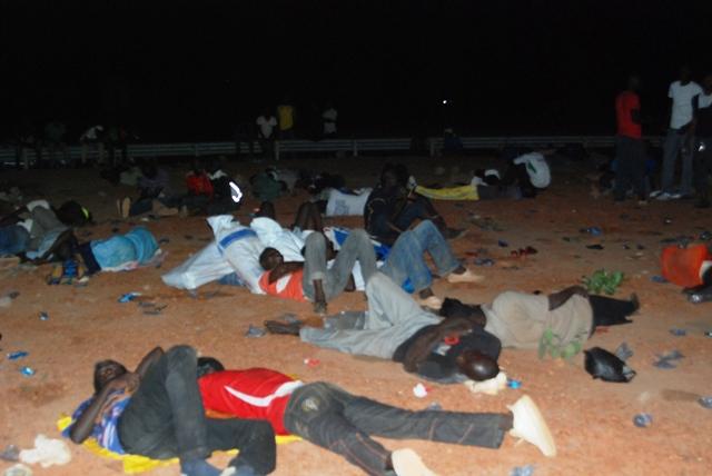 Une vue de quelques étudiants, au rond-point de Kossodo. Ph.B24