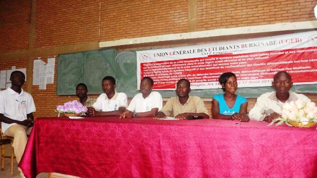 Des membres du nouveau comité exécutif de l'UGEB (Ph : B24)