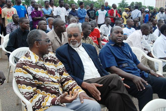 Des responsables de partis politiques étaient présents à la conférence de Presse (Ph : B24)