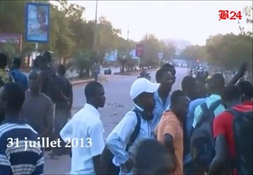 Les étudiants prennent l'Avenue Charles-de-Gaulle en otage. Ph. B24