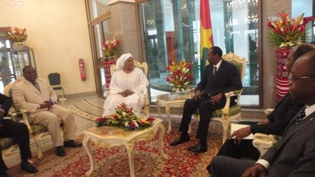 L'ambassadeur du Sénégal au Burkina Faso, Anta Coulibaly Diallo en plein entretien avec le Président Compaoré (PH:B24)