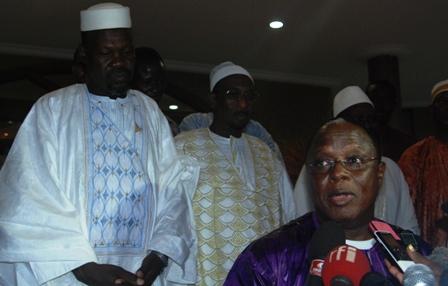 El Hadj Souleymane Compaoré, s,exprimant au nom de la FAIB, à la sortie d'audience. Ph.B24
