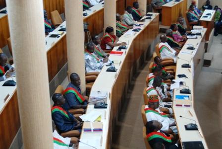 Une vue partielle des élus nationaux à l'ouverture de la session budgétaire ce mercredi 25 septembre 2013. © Burkina 24
