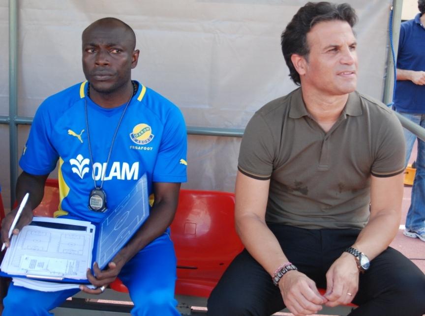 Narcisse Yaméogo (droite) et Paulo Duarte) au Stade du 4 août le 7 septembre 2013 © Burkina 24
