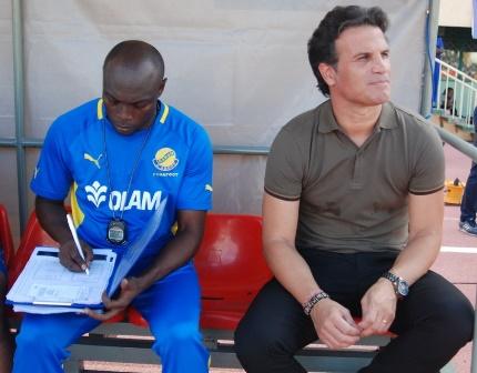 L'ancien selectionneur des Etalons du Burkina Paulo Duarte (droite) en compagnie de Narcisse Yaméogo