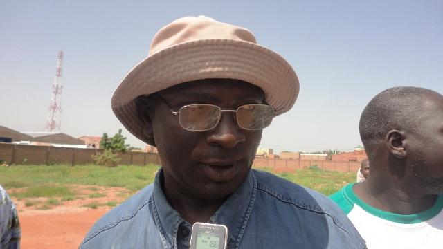 "Maahamadi Younga, militant CDP à l'arrondissement 4 :""Rien ne tourne à la mairie"" (Ph : B24)"