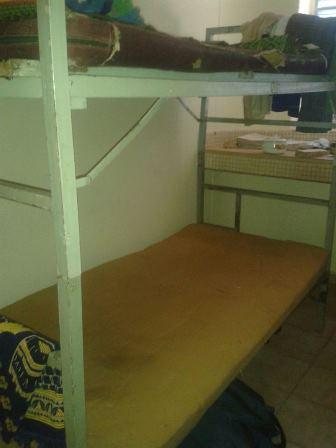 Des lits usés à la Cité Patte d'Oie (Ph : B24)