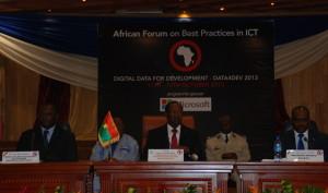 Le president du Faso, a la ceremonie d,ouverture du forum.