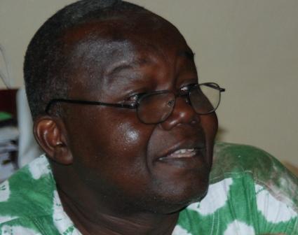 Le Pr Luc Marius Ibriga expliquant l'illégalité du fonctionnement des institutions burkinabè. © Burkina 24