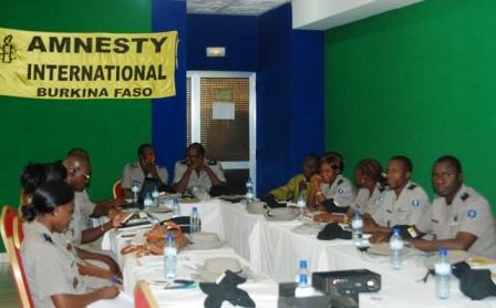Une vue des 15 cadres de la police nationale en formation. © Burkina 24