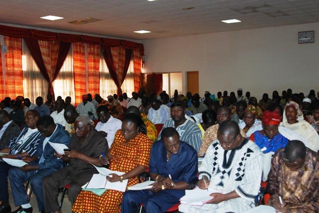 Les conseillers lors de la session budgétaire ce lundi 28 octobre 2013. Ph. Burkina 24